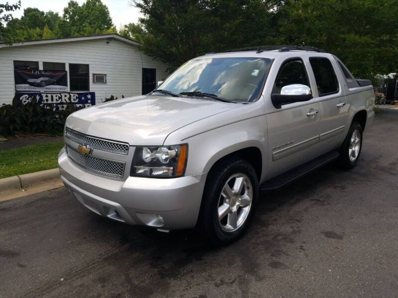 2011 Chevrolet Avalanche for sale at TR MOTORS in Gastonia NC