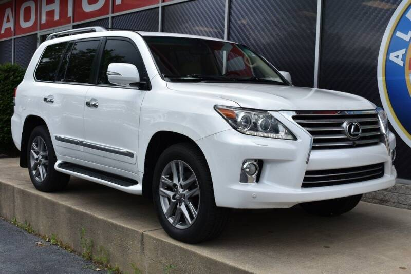 2013 Lexus LX 570 for sale at Alfa Romeo & Fiat of Strongsville in Strongsville OH