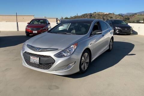 2014 Hyundai Sonata Hybrid for sale at Boktor Motors in Las Vegas NV