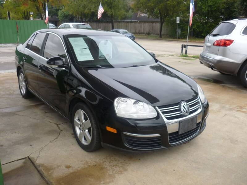 2009 Volkswagen Jetta for sale at Auto Outlet Inc. in Houston TX