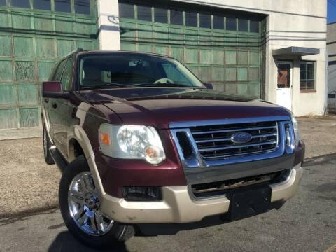 2006 Ford Explorer for sale at Illinois Auto Sales in Paterson NJ