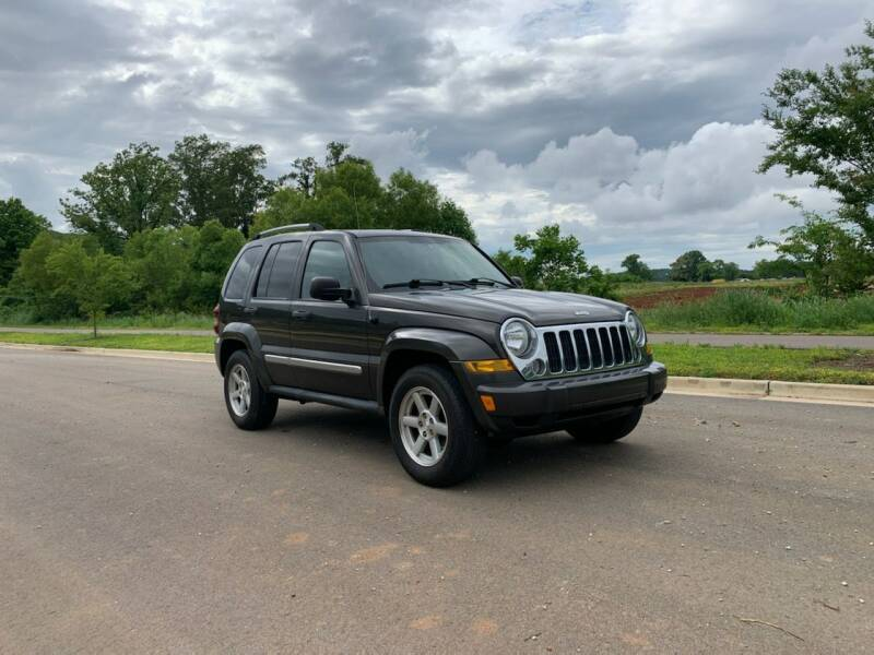 2005 Jeep Liberty for sale at Tennessee Valley Wholesale Autos LLC in Huntsville AL