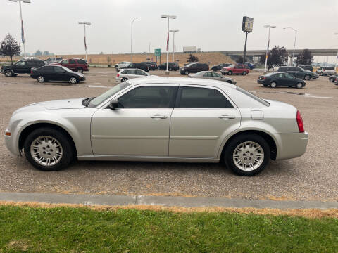2005 Chrysler 300 for sale at GILES & JOHNSON AUTOMART in Idaho Falls ID