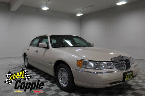 2000 Lincoln Town Car for sale at Copple Chevrolet GMC Inc in Louisville NE