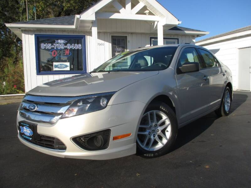 2010 Ford Fusion for sale at Blue Arrow Motors in Coal City IL