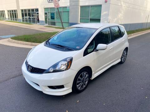 2013 Honda Fit for sale at Super Bee Auto in Chantilly VA