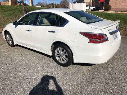 2014 Nissan Altima for sale at Bill Henderson Auto Group Inc in Statesville NC