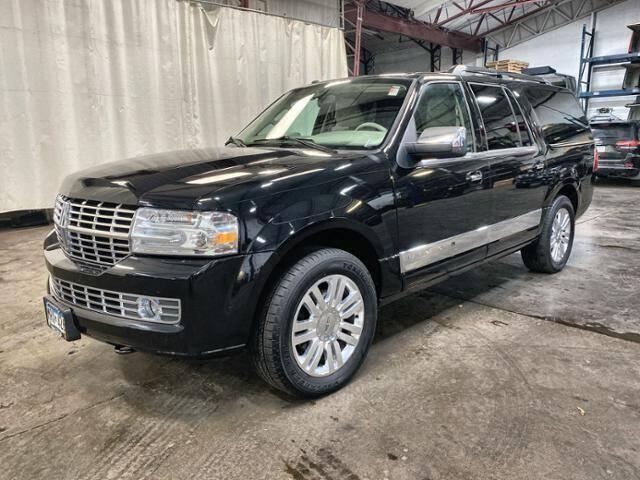 2013 Lincoln Navigator L for sale at Victoria Auto Sales in Victoria MN