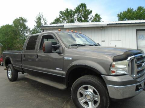 2005 Ford F-350 Super Duty for sale at NORTHLAND AUTO SALES in Dale WI