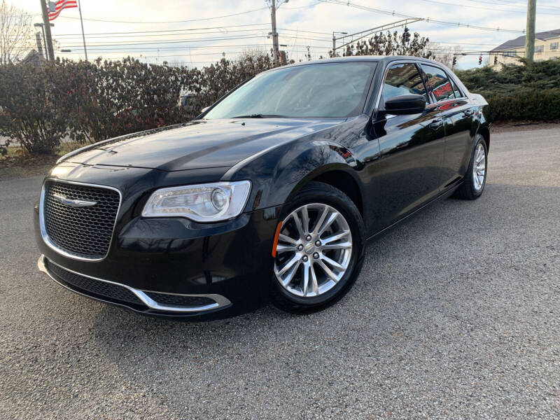 2017 Chrysler 300 for sale at Craven Cars in Louisville KY