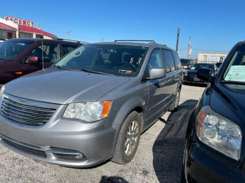 2013 Chrysler Town and Country for sale at Drive Today Auto Sales in Mount Sterling KY