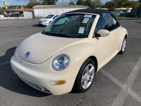 2005 Volkswagen New Beetle Convertible for sale at Diana Rico LLC in Dalton GA