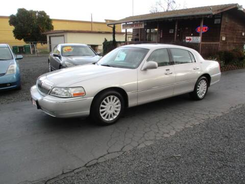 2005 Lincoln Town Car for sale at Manzanita Car Sales in Gridley CA