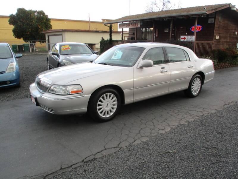 2005 Lincoln Town Car for sale at Manzanita Car Sales in Gridley CA