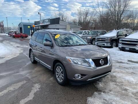 2014 Nissan Pathfinder for sale at LexTown Motors in Lexington KY