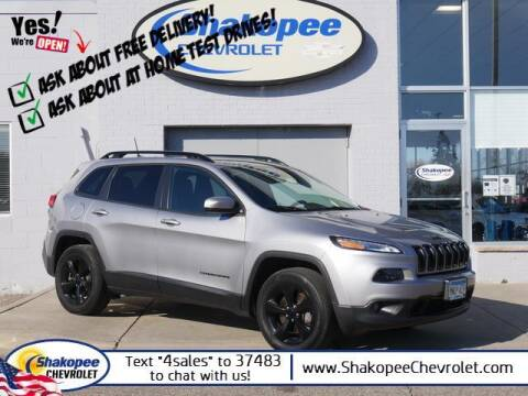 2017 Jeep Cherokee for sale at SHAKOPEE CHEVROLET in Shakopee MN