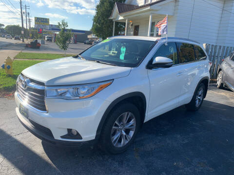 2014 Toyota Highlander for sale at PAPERLAND MOTORS - Fresh Inventory in Green Bay WI
