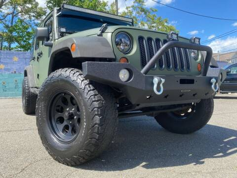 2010 Jeep Wrangler Unlimited for sale at Illinois Auto Sales in Paterson NJ