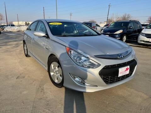 2012 Hyundai Sonata Hybrid for sale at AP Auto Brokers in Longmont CO