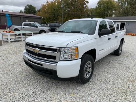 2011 Chevrolet Silverado 1500 for sale at Davidson Auto Deals in Syracuse IN
