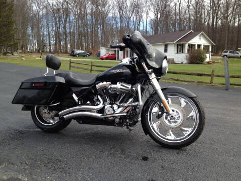 2011 HARLEY DAVIDSON FLHX for sale at Rosenberger Auto Sales LLC in Markleysburg PA