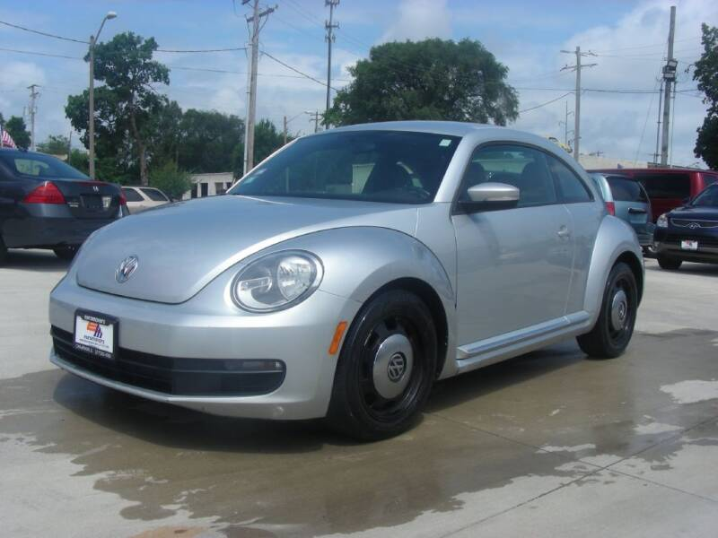 2012 Volkswagen Beetle for sale at EURO MOTORS AUTO DEALER INC in Champaign IL