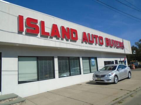 2014 Hyundai Azera for sale at Island Auto Buyers in West Babylon NY