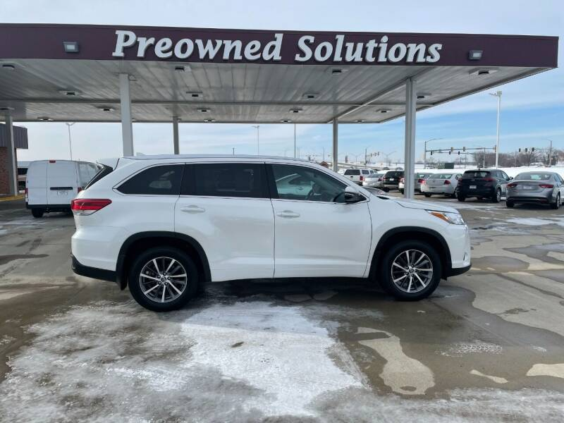 2018 Toyota Highlander for sale at Preowned Solutions in Urbandale IA