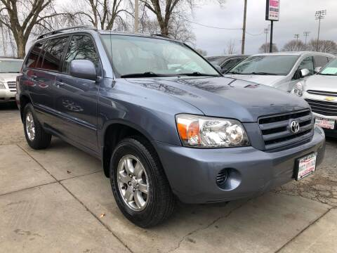2005 Toyota Highlander for sale at Direct Auto Sales in Milwaukee WI