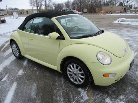 2005 Volkswagen New Beetle Convertible for sale at RJ Motors in Plano IL