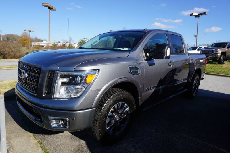 2017 Nissan Titan for sale at Modern Motors - Thomasville INC in Thomasville NC