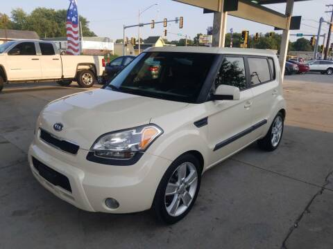 2011 Kia Soul for sale at SpringField Select Autos in Springfield IL
