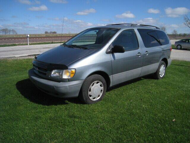2000 Toyota Sienna for sale at BEST CAR MARKET INC in Mc Lean IL