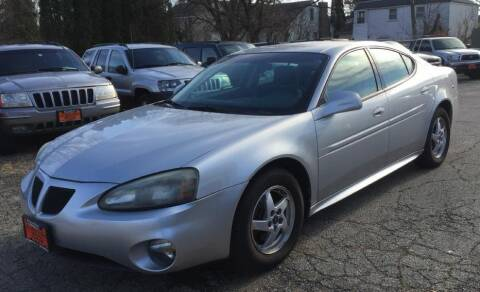 2004 Pontiac Grand Prix for sale at Knowlton Motors, Inc. in Freeport IL