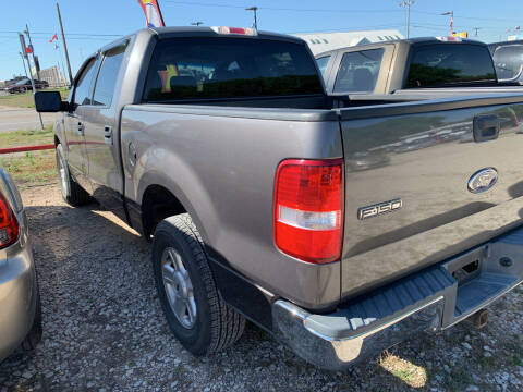 2004 Ford F-150 for sale at BULLSEYE MOTORS INC in New Braunfels TX