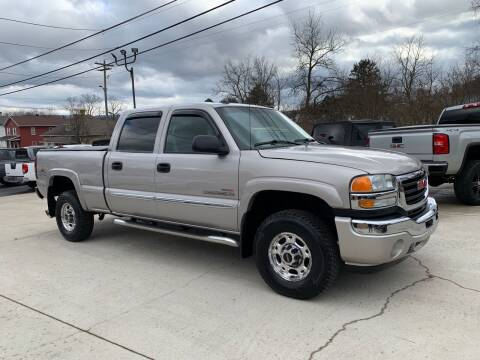 2005 GMC Sierra 2500HD for sale at Twin Rocks Auto Sales LLC in Uniontown PA