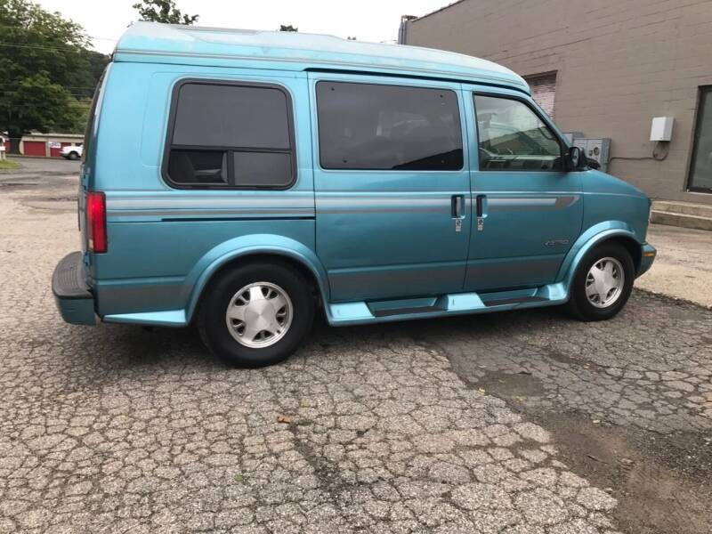 1995 Chevrolet Astro Cargo 3dr Extended Cargo Mini-Van - Danbury CT