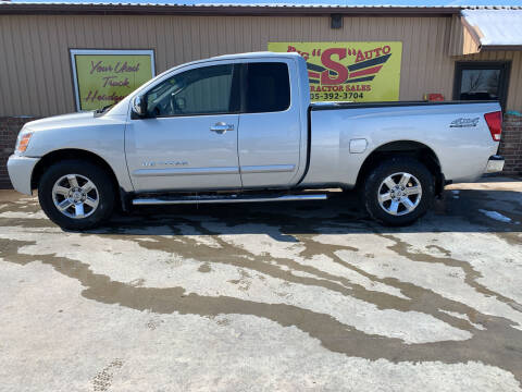 2006 Nissan Titan for sale at BIG 'S' AUTO & TRACTOR SALES in Blanchard OK