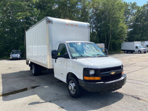 2016 Chevrolet Express Cutaway for sale at Auto Towne in Abington MA