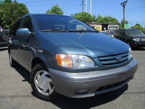 2001 Toyota Sienna for sale at Unlimited Auto Sales Inc. in Mount Sinai NY