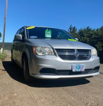 2011 Dodge Grand Caravan for sale at M AND S CAR SALES LLC in Independence OR