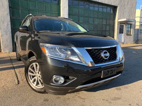2015 Nissan Pathfinder for sale at Illinois Auto Sales in Paterson NJ