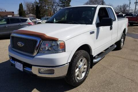 2004 Ford F-150 for sale at P & T SALES in Clear Lake IA