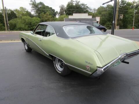1969 Buick Skylark for sale at VALERI AUTOMOTIVE in Winthrop Harbor IL