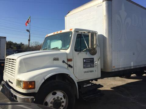 2002 International 4700 for sale at BSA Used Cars in Pasadena TX