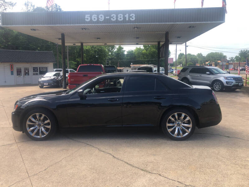 2014 Chrysler 300 for sale at BOB SMITH AUTO SALES in Mineola TX