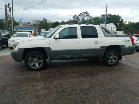 2002 Chevrolet Avalanche for sale at RIVERSIDE AUTO SALES in Sioux City IA