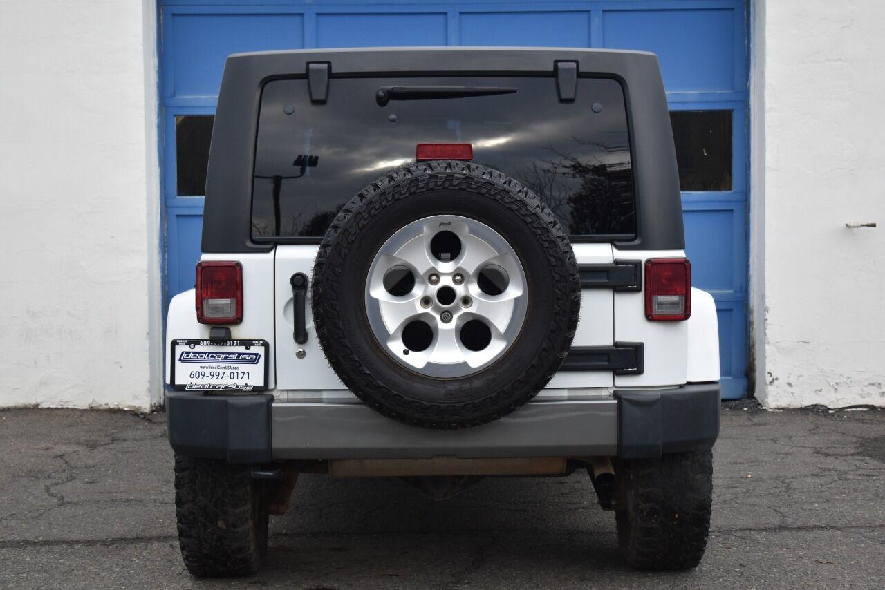 2015 Jeep Wrangler Unlimited Sahara 4×4 4dr SUV full