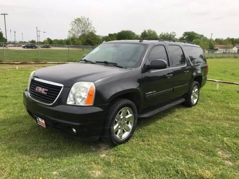 2012 GMC Yukon XL for sale at LA PULGA DE AUTOS in Dallas TX