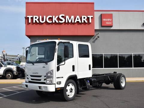 2022 Isuzu NRR for sale at Trucksmart Isuzu in Morrisville PA